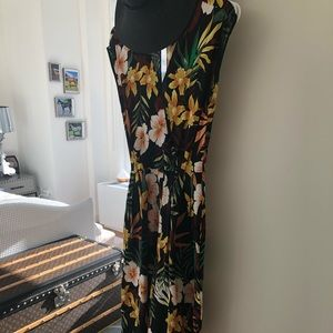 Zara Palm leave jump suit with pockets XS